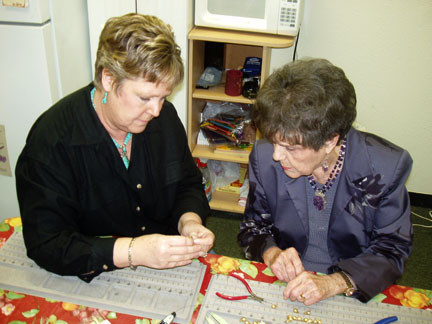 Ann providing free beading assistance